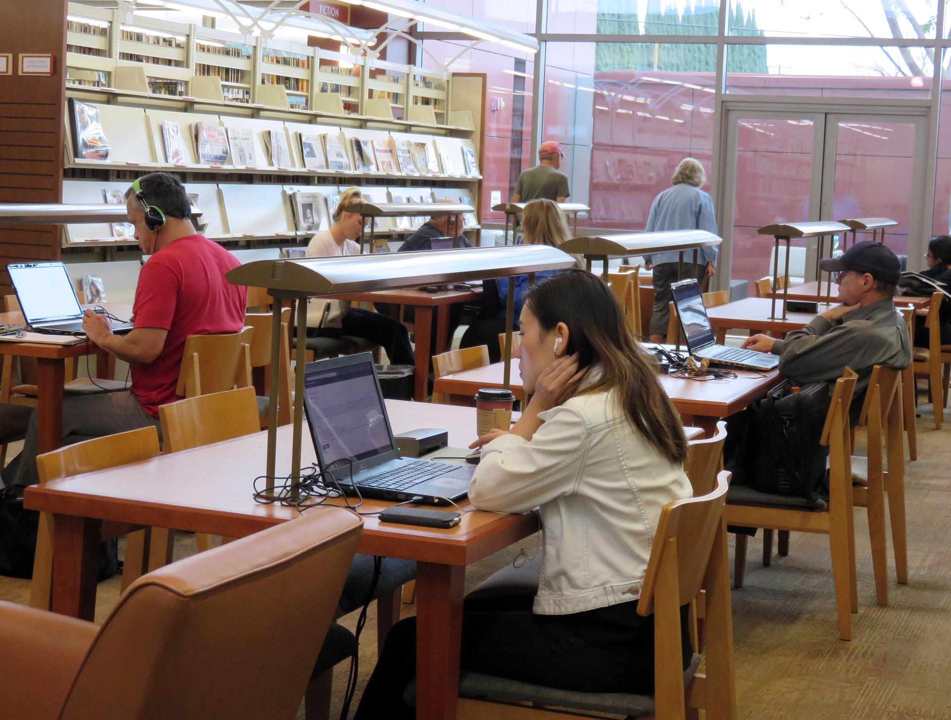 Education: impact des multimédias sur l'enseignement et l'apprentissage